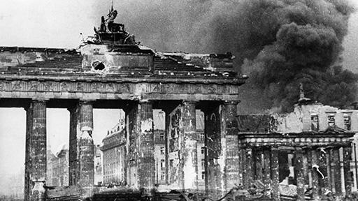 1945 : cinq jours après la capitulation, la radio du Reich cesse d'émettre
