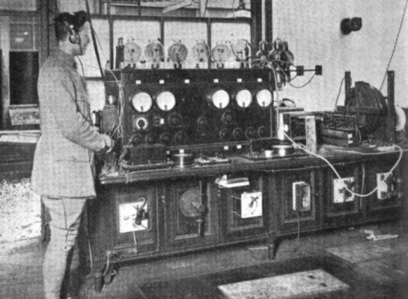 6 janvier 1922 : la première radio de France passe son premier disque