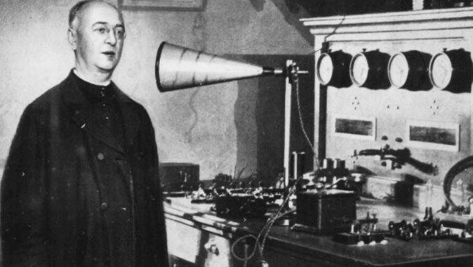 Le premier sermon à la radio